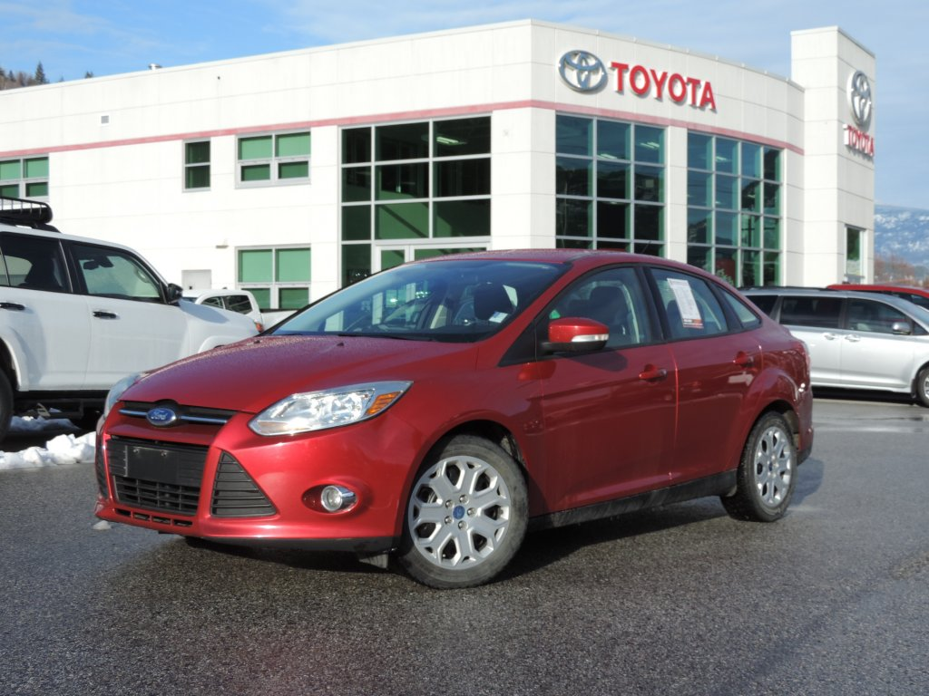 2012 Ford Focus SE (9-3331-0) Main Image
